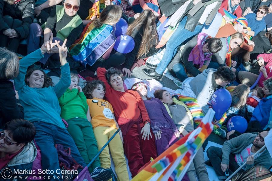 17/3: foto di gruppo a colori – il libro del convegno