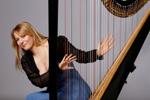Harpist_Floraleda_Sacchi