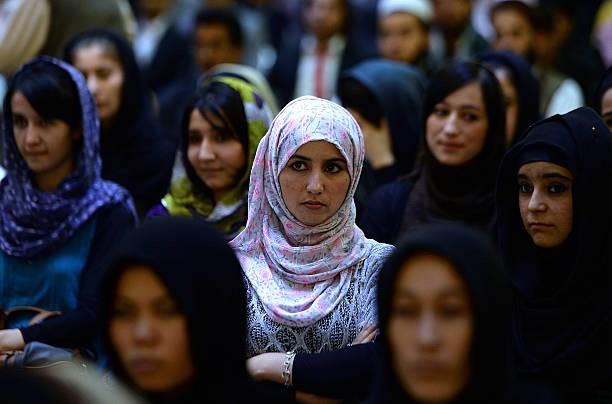 RE-SISTERS. Sorelle nella resistenza: storia e storie di donne afghane – ONLINE