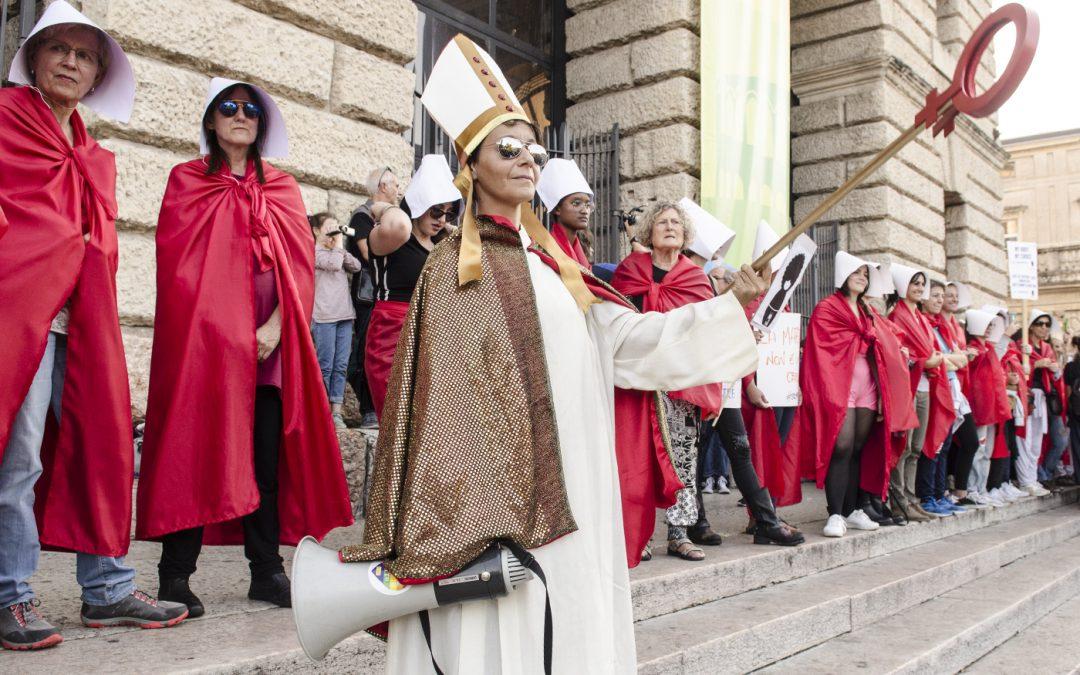 Le fake news sul ddl Zan e i veri obiettivi del Vaticano