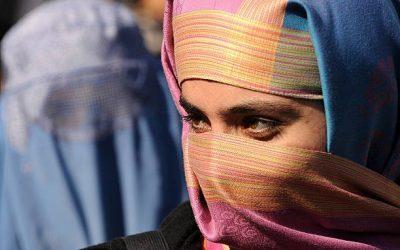"""Afghanistan: con le donne coraggiose che """"restano"""" con i lupi"""
